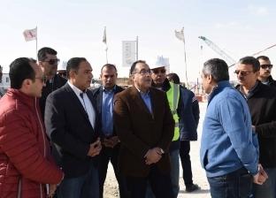 رئيس الوزراء يبدأ جولة تفقدية بمشروعات مدينة العلمين الجديدة