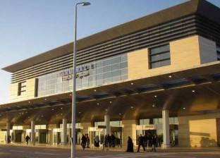 جمارك مطار برج العرب تحبط محاولة تهريب مستلزمات طبية بحوزة شقيقين