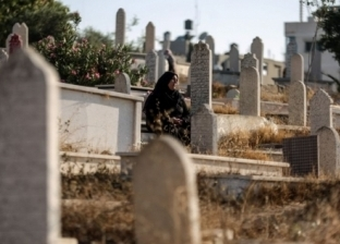 """""""عادة مينفعش تتقطع"""".. أزهري يوضح حكم زيارة القبور في العيد"""