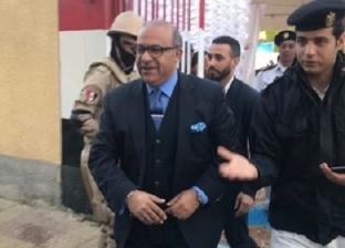 """نائب وزير التموين يبحث عن لجنته في سيزا نبراوي.. """"طلعت غلط"""""""