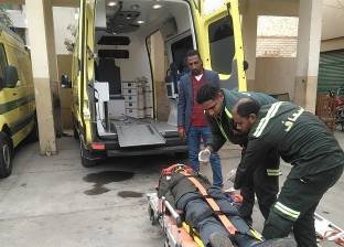 إصابة 8 أشخاص إثر انقلاب سيارة في رأس غارب