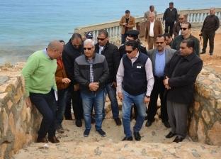 محافظ مطروح يتفقد أعمال تطوير الكورنيش وممشى شاطئ الغرام