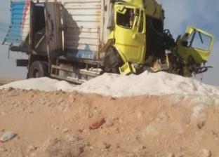 مصرع شخصين وإصابة 9 في حادث تصادم ميكروباص بلودر في المنيا