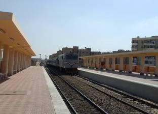 قطار يقطع 350 كيلومترا على خط الصعيد في 15 ساعة بسبب الأعطال