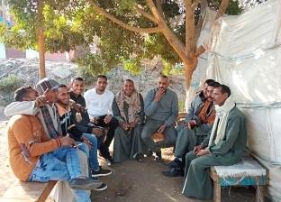 نصف أجرة للطلاب» مبادرة لسائقي قرية بالمنيا.. والأهالي: «رجالة وجدعان»