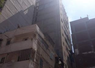 إزالة عقار مائل من 13 طابق في الإسكندرية