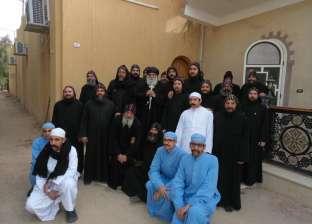 """دير الشايب يحتفل بعيد الغطاس و""""سلوانس"""" يلتقي مجمع الرهبان"""
