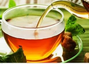 """دراسة جديدة تكشف فوائد """"الشاي"""".. يحارب السرطان والشيخوخة"""
