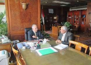 وزير الري يبحث الإعداد لاحتفالية بذكرى وضع حجر أثاث السد العالي