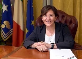 وزيرة الدفاع الإيطالية تحذر من المخاطر الأمنية للهجرة خارج السيطرة