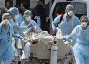 فرنسا تشتعل في ساعات.. حريق هائل وأكبر عدد مصابين بكورونا في أوروبا