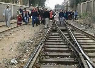مصرع موظف سقط من قطار أثناء سيره أمام مركز ملوي