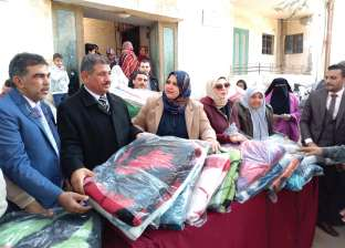 توزيع 400 بطانية على الأسر الأكثر احتياجا بالبحيرة