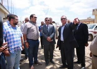 بالصور| محافظ كفر الشيخ يطارد مافيا الزريعة ويقرر حظر الصيد في بوغاز البرلس