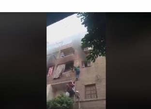 """مصدر: منقذ أطفال """"حريق الزاوية"""" من أهالي المنطقة.. وأنقذ ثلاثة أشخاص"""
