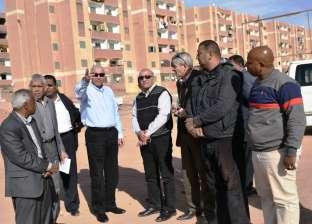 """محافظ اسوان يتفقد مشروعات الإسكان ومحطات الصرف بـ""""الصداقة الجديدة"""""""