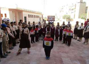 وزير التعليم للمدارس: الحبس والغرامة لكل من يهين العلم المصري