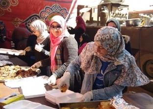مطبخ متنقل يوزع 1200 وجبة على محدودي الدخل في فاقوس