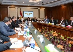بالصور| وزيرا الطيران والسياحة يبحثان خطة عمل مشتركة لجذب السياح