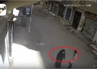 فيديو| شهود عيان يروون تفاصيل قتل شاب لأمه في نهار رمضان بالهرم