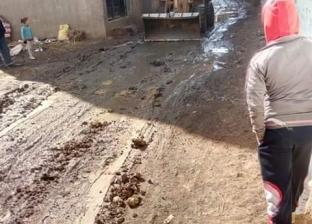 """بعد موجة الشتاء.. تمهيد ورصف شوارع """"كفر سعد"""" في دمياط"""