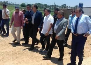بالصور| وزير النقل يطالب بتكثيف اللوحات الإرشادية بطريق كفر الشيخ