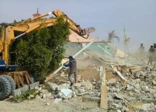 200 مواطن بالإسكندرية يعيقون عمل حملة إزالات بالمنتزه والأمن يتدخل