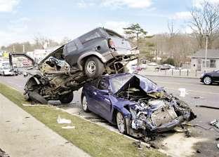 تصادم سيارة نقل وملاكي على طريق الفيوم دون إصابات