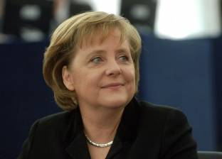 عاجل| رئيس الوزراء يستقبل المستشارة الألمانية أنجيلا ميركل في مطار القاهرة الدولي