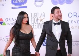 """بصورة لزوجته.. أحمد الفيشاوي يرد على شائعات الانفصال: """"كوني قوية"""""""