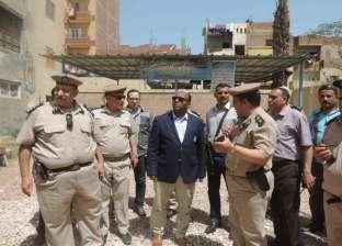 بالصور  مدير أمن الغربية يتفقد الميادين العامة والكنائس
