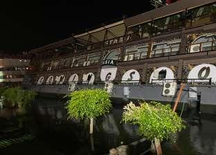 إنقاذ أكثر من 100 مواطن في جنوح مطعم عائم بنيل المنصورة.. ومحاولات لمنع غرقه