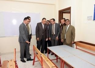 محافظ الشرقية يتفقد مدرسة النصر الإبتدائية بفاقوس