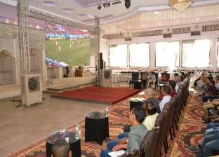 """شاشات عملاقة لعرض مباريات كأس العالم بـ""""الشباب والرياضة"""" بسوهاج"""