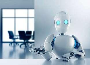 """أول موظف آلي في السعودية """"روبوت"""" يتسلم مهام عمله"""