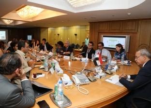محافظ قنا ووفد البنك الدولي يستعرضان الموقف التنفيذي لبرنامح التنمية