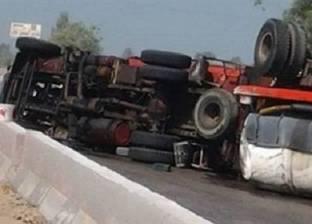عودة الحركة المرورية بعد وقوع حادث تصادم على الطريق السريع بالقليوبية