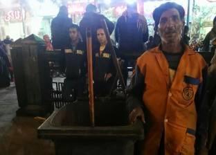 جامعو القمامة فى «الحسين»: التعب يهون علشان «آل البيت»