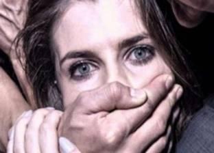 """3 عاطلين يغتصبون فتاة """"قاصر"""" بقنا.. والبنت: """"تعدوا علي طوال الليل"""""""