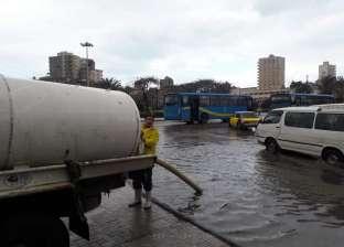هطول أمطار غزيرة في دمياط وتوقف الصيد ببوغاز عزبة البرج