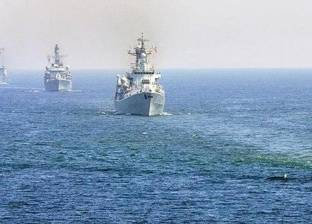 """""""وول ستريت جورنال"""": السفينة الأمريكية في """"هرمز"""" تعرضت لأكثر من هجوم"""