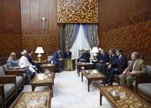 وزير كازاخي: جهود شيخ الأزهر تمثل أمل العالم في تحقيق السلام