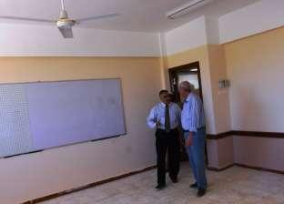 بالصور| محافظ أسوان يرفض افتتاح مدرسة لعدم جاهزيتها للعمل