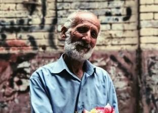 يموت «وردة» وتعيش سيرته.. أبناء أشهر بائع ورد بوسط البلد: «هنكمل سكته»