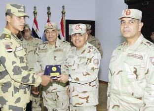 وزير الدفاع يكرم عدد من ضباط وجنود الهيئة الهندسية للقوات المسلحة