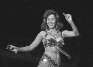 «نيويورك تايمز»: الأجنبيات يشوهن الرقص الشرقى