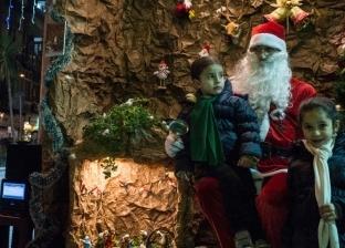 """احتفالات السوريين بـ2019.. إضاءة أطول شجرة """"كريسماس"""""""