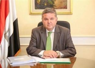 وزير قطاع الأعمال يطمئن على لاعبي غزل المحلة إثر حادث تصادم