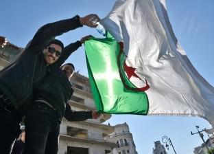 """""""الخدمات الجامعية"""" بالجزائر يقدم خدماته للطلبة رغم قرار تقديم الإجازة"""