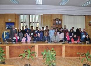 رئيس جامعة كفر الشيخ يلتقي طلاب مدرسة المتفوقين S.T.E.M